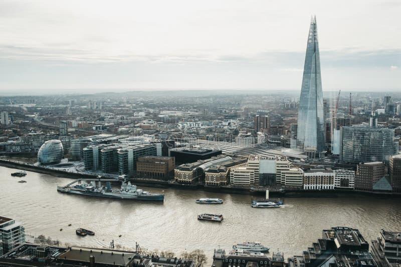 Vista panoramica di Londra e del coccio, Regno Unito fotografia stock libera da diritti