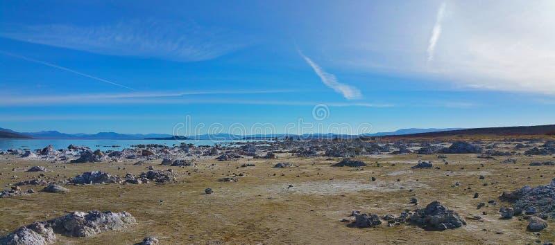 Vista panoramica di mono lago, California fotografia stock