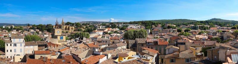 Vista panoramica di Salon de Provence, a sud della Francia immagini stock libere da diritti