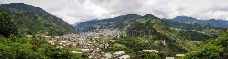 Vista panoramica di Zunil, Quetzaltenango, Guatemala fotografie stock libere da diritti