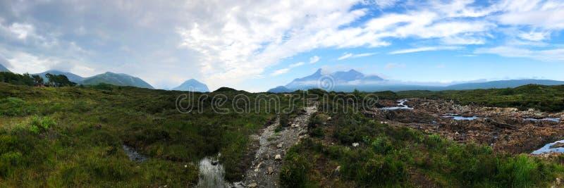 Vista panoramica, fiume, isola di Skye, altopiani fotografia stock libera da diritti