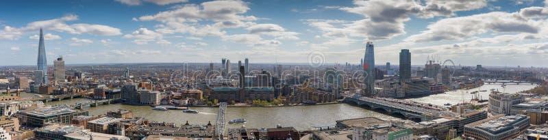 Vista panoramica sopra l'orizzonte di Londra, Regno Unito immagine stock