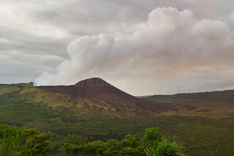 Vista panoramica sul vulcano di masaya fotografia stock