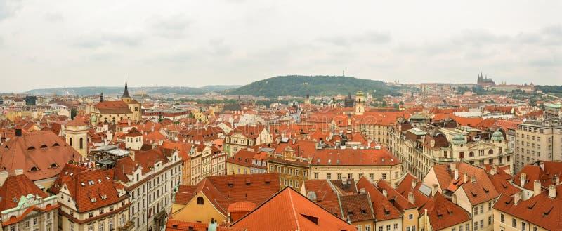 Vista panoramica sulla vecchia città a Praga fotografia stock libera da diritti