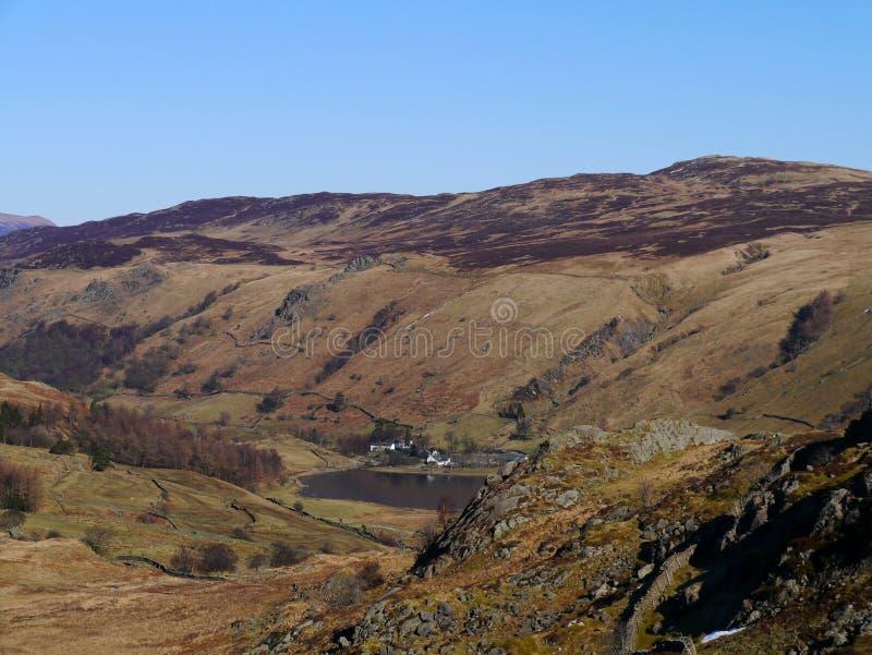 Vista para baixo na aldeola de Watendlath fotos de stock royalty free