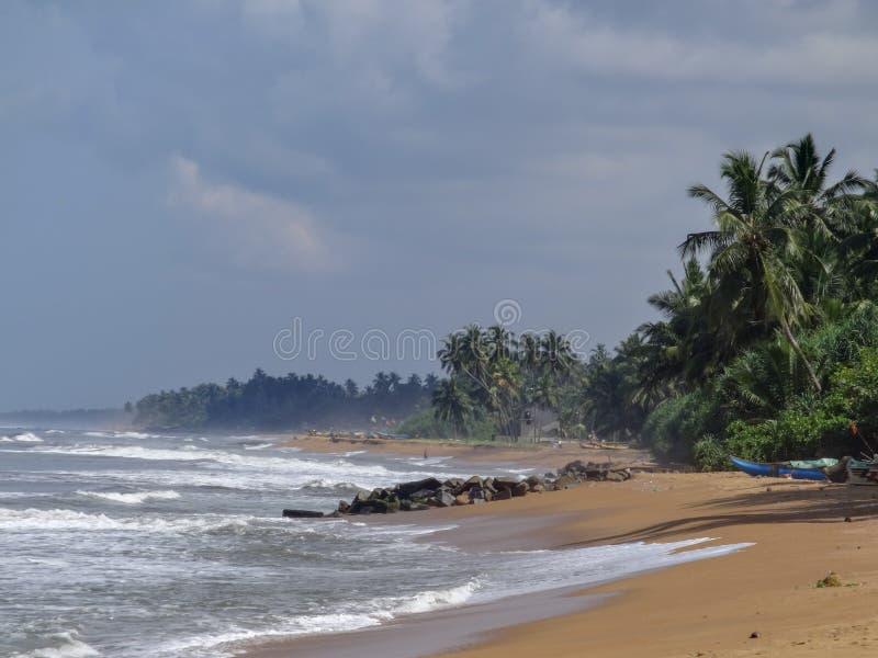 Vista para o mar em Kalutara, Sri Lanka fotografia de stock