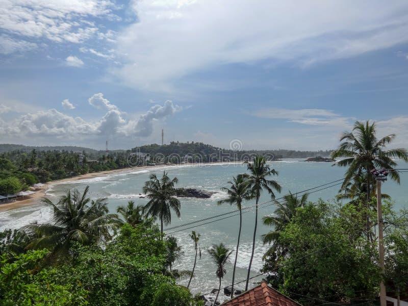 Vista para o mar em Mirissa, Sri Lanka foto de stock