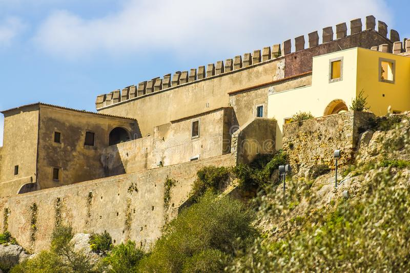 Vista parcial do castelo de Palmela em Palmela, Setúbal, Portugal foto de stock