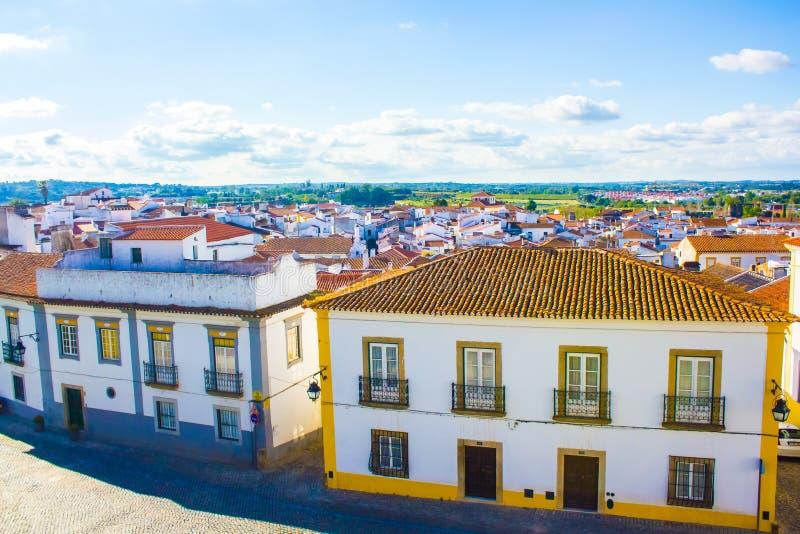 Vista parziale del vora del ‰ di Ã, nella pianura dell'Alentejo, a sud del Portogallo immagini stock libere da diritti