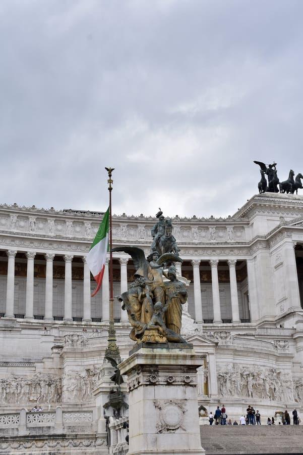 Vista patriótica em Vittoriano imagens de stock royalty free
