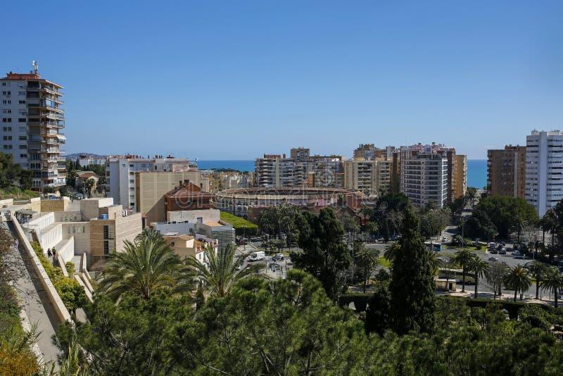 Vista pintoresca del distrito, del puerto y de la 'promenade' de Malagueta del La en Málaga, Costa del Sol, Andalucía imagenes de archivo