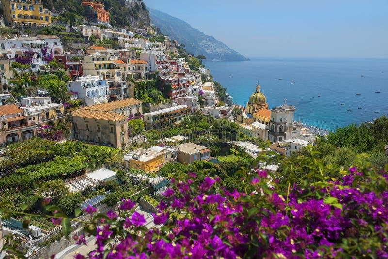 Vista pitoresca de Positano, costa de Amalfi, Itália imagens de stock