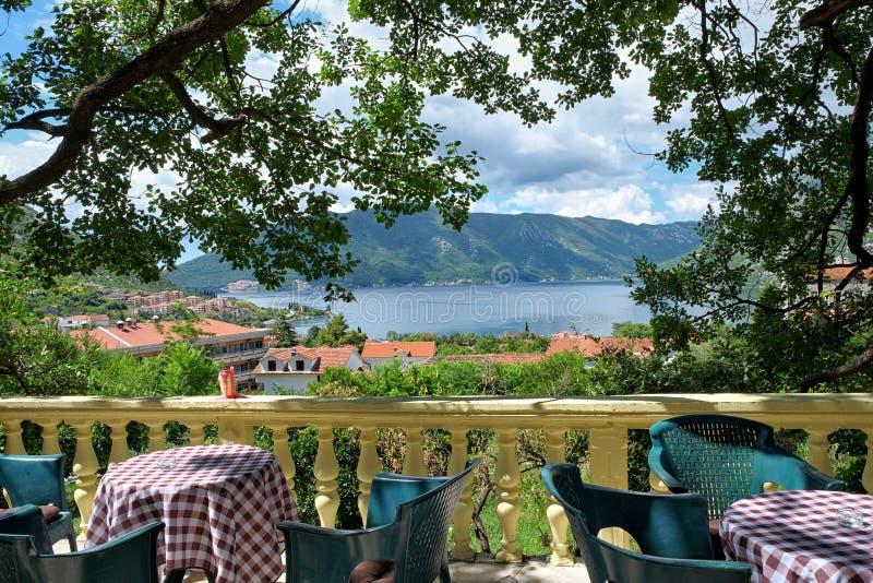 Vista pittoresca della baia di Cattaro, Montenegro fotografia stock libera da diritti