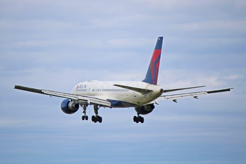 Vista posterior de Delta Air Lines Boeing 757-200 fotografía de archivo libre de regalías