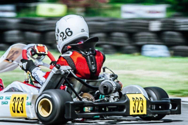 Vista posterior de Karting imagen de archivo libre de regalías