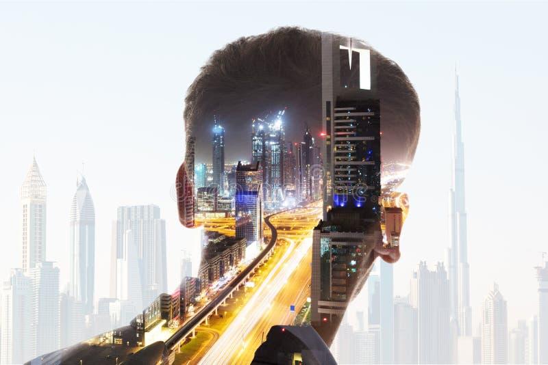 Vista posterior de la cabeza del ` s del hombre de negocios fotos de archivo