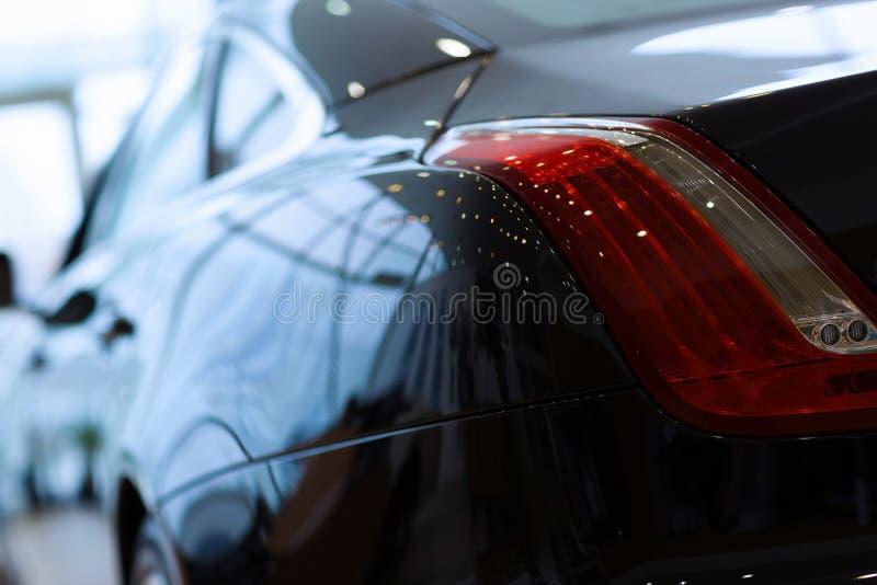Vista posterior del coche de lujo fotos de archivo