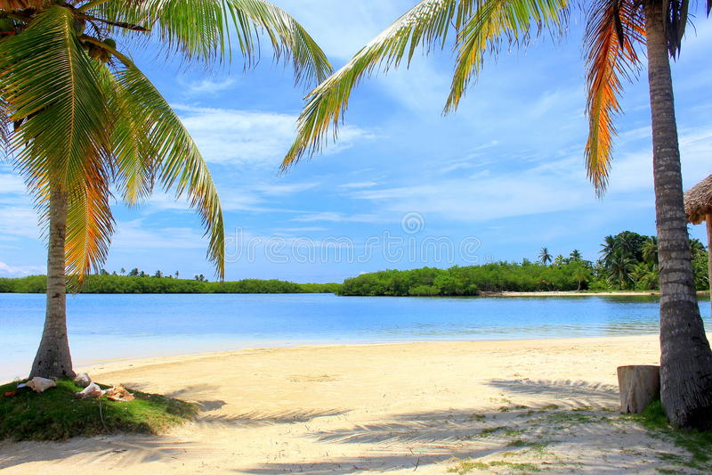 Vista principal de la playa privada de la casa de campo de la isla de Yandup, PA fotografía de archivo libre de regalías