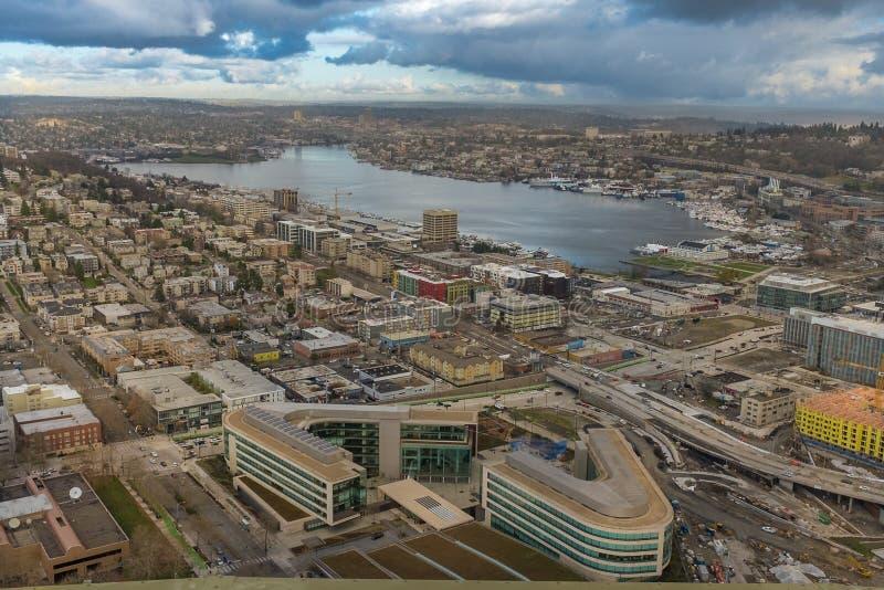 Vista panorámica del horizonte de Seattle desde la plataforma de visualización de la aguja espacial fotos de archivo libres de regalías