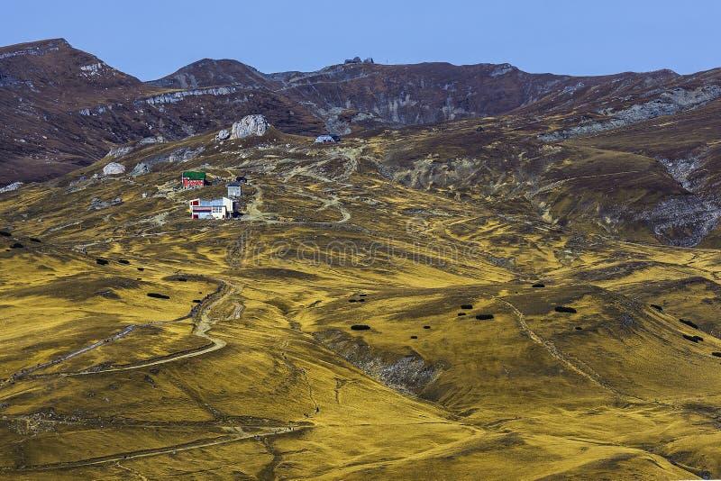 Vista que sorprende de las montañas de Busteni, Rumania fotos de archivo