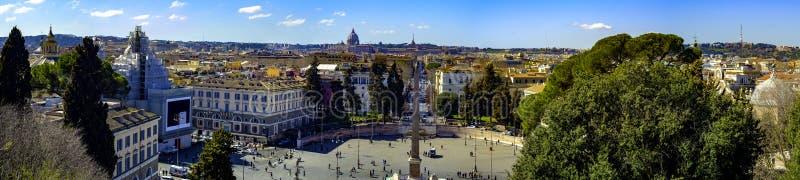 Vista que sorprende de Roma de la terraza de Pincio imagenes de archivo
