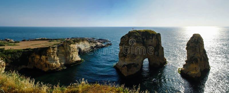 Vista Raouche o roccia del piccione, Beirut, Libano fotografia stock libera da diritti