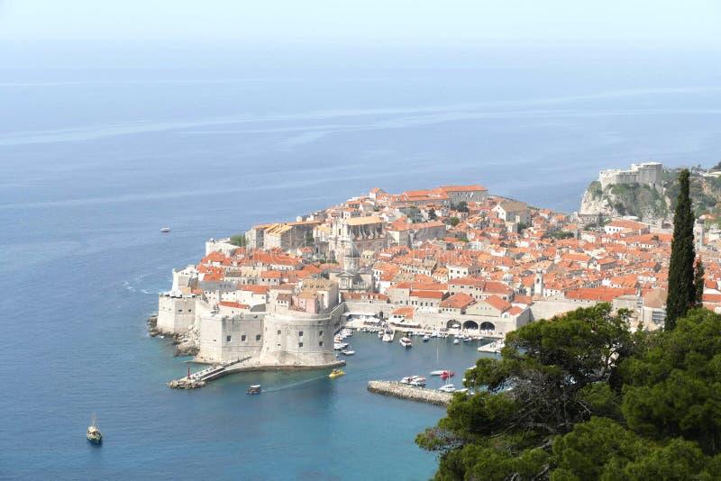 Vista a?rea de la ciudad vieja de Dubrovnik imagen de archivo libre de regalías