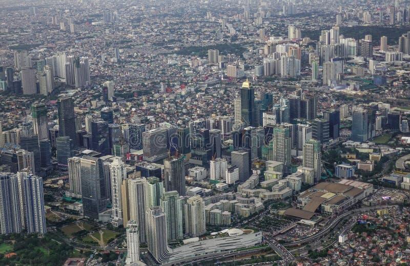 Vista a?rea de Manila con los rascacielos fotografía de archivo libre de regalías