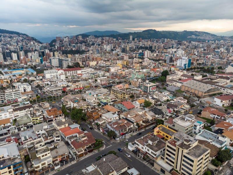 Vista a?rea de Quito fotografía de archivo libre de regalías