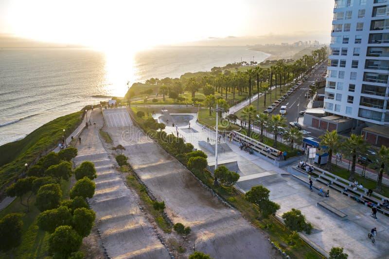 Vista a?rea del skatepark en Lima imagen de archivo