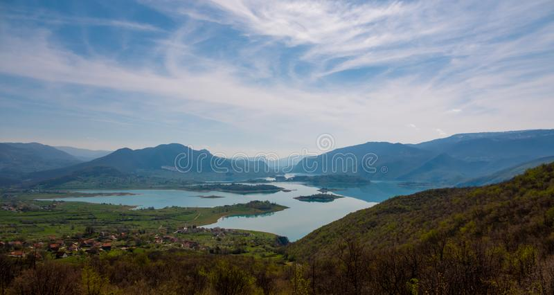 Vista a?rea do lago Rama ou o jezero de Ramsko, a B?snia e a Herzegovina fotografia de stock royalty free