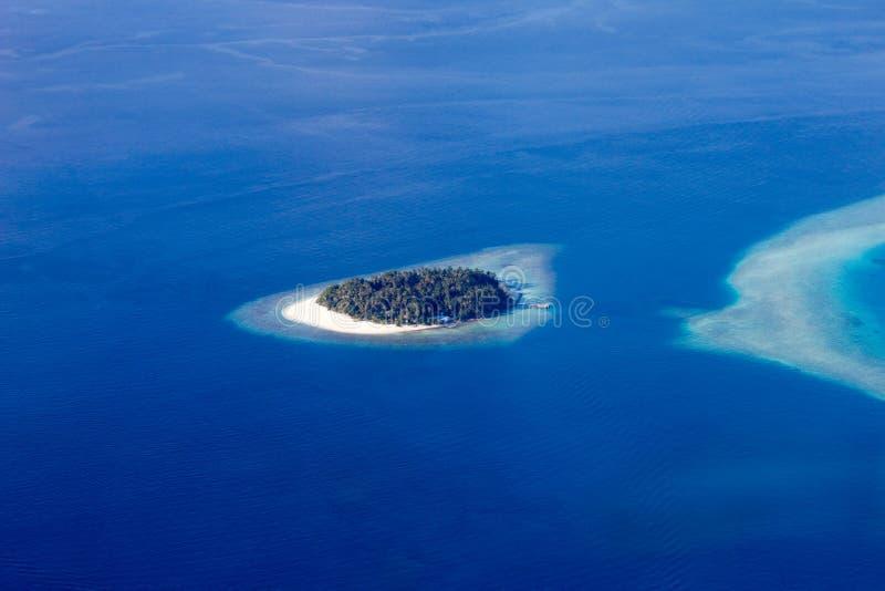 Vista regional de atóis maldivos, Eden na terra imagem de stock