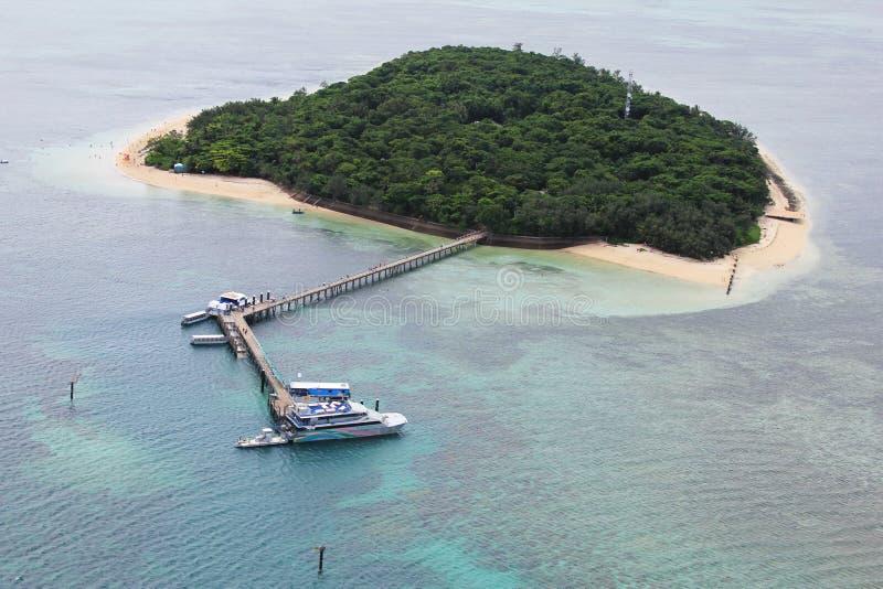 Vista regional de la isla verde, la gran barrera de coral, Australia imagen de archivo