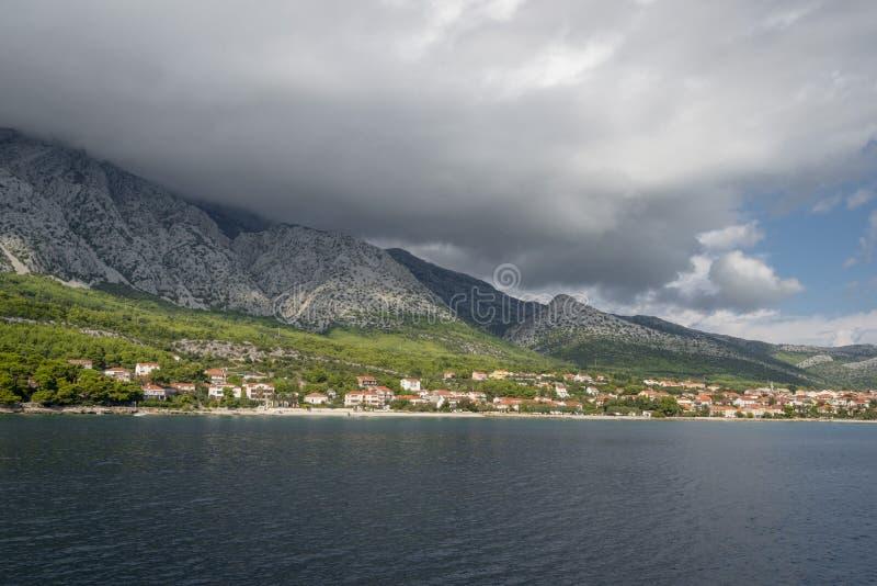 Vista regional no litoral perto de Orebic, Croácia fotos de stock