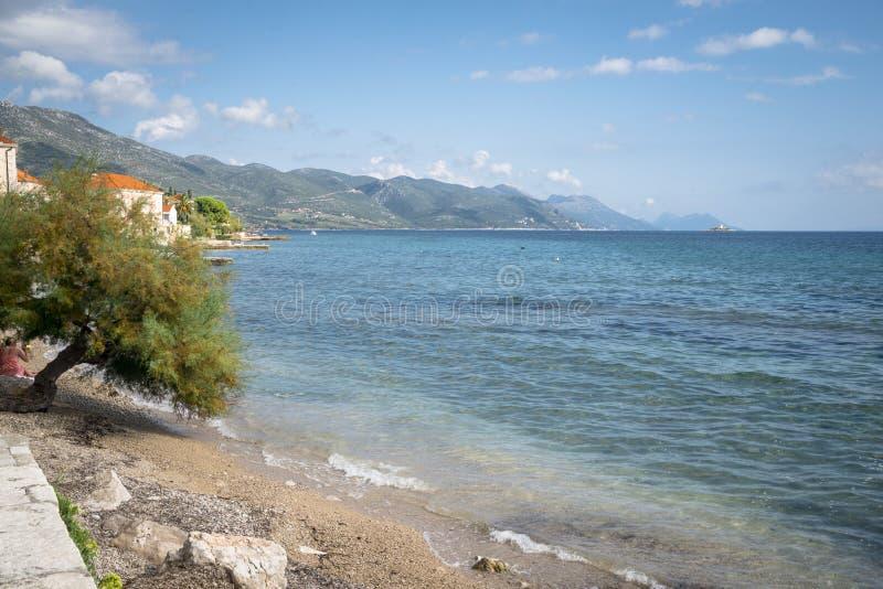 Vista regional no litoral perto de Orebic, Croácia foto de stock