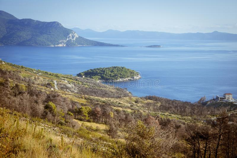 Vista regional no litoral perto de Orebic, Croácia imagens de stock