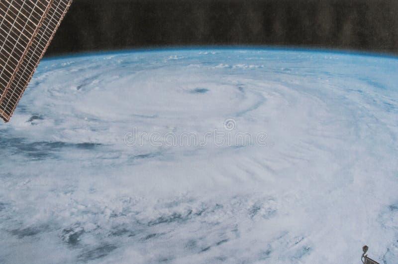 Vista rigida e di calma dell'uragano Firenze dalla macchina fotografica dello spazio immagini stock libere da diritti