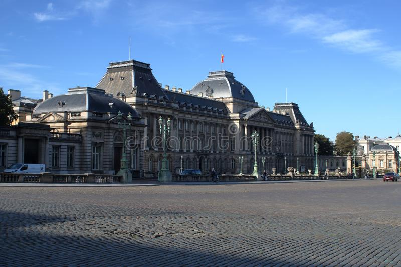 Vista a Royal Palace de Bruxelas imagens de stock royalty free