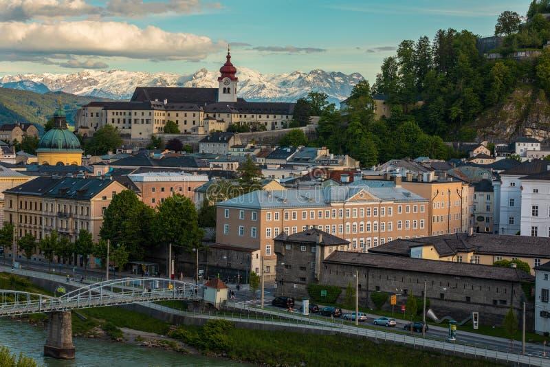 Vista a Salzburg Skylinel, Austria imagen de archivo