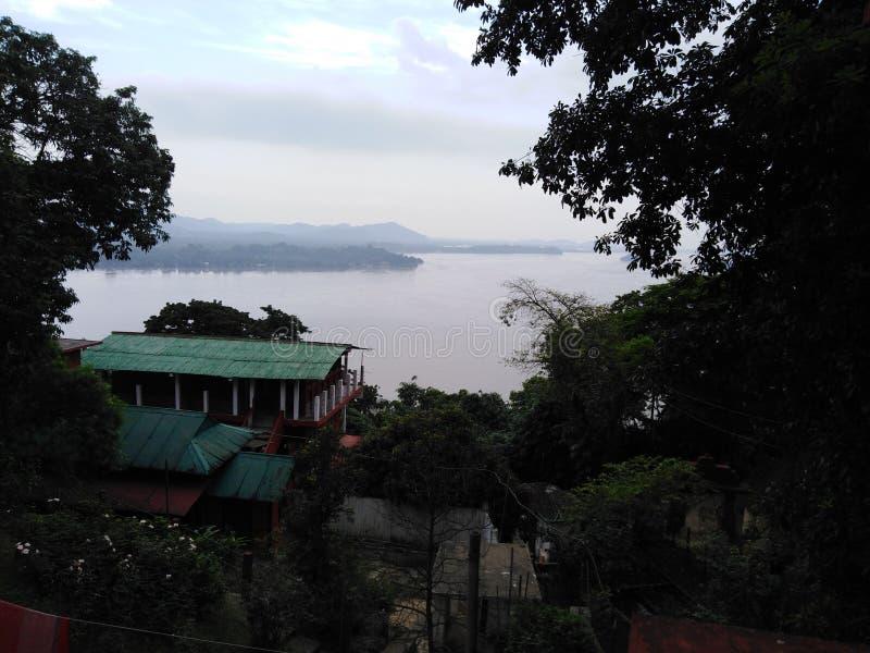 Vista satisfecha del río Brahmaputra foto de archivo