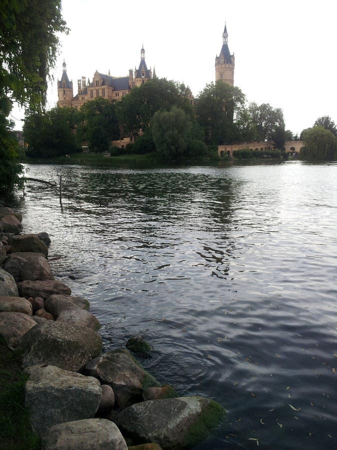 Vista scenica al palazzo di Schwerin immagini stock