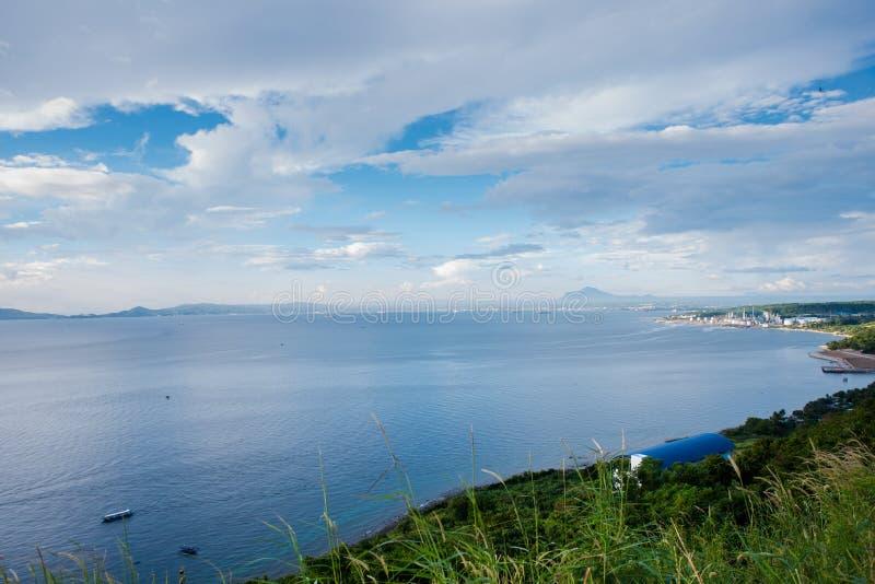 Vista scenica che trascura la città di Batangas, Filippine immagine stock
