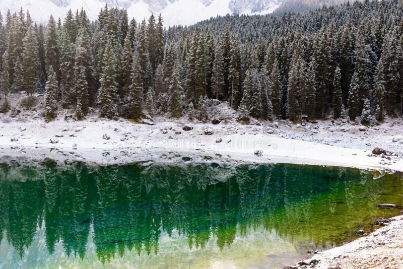 Vista scenica del karersee del lago immagine stock