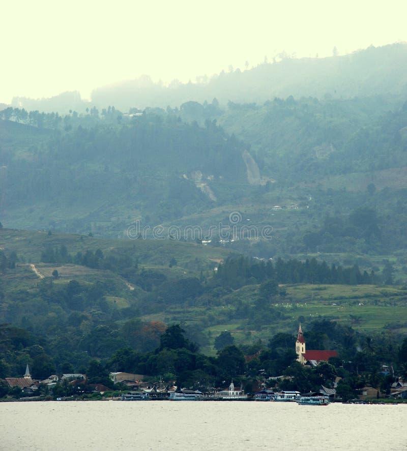 Vista scenica del lago Toba immagini stock libere da diritti