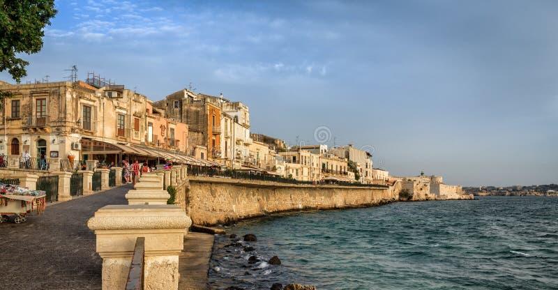 Vista scenica dell'isola di Ortigia a Siracusa immagine stock libera da diritti