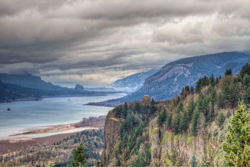 Vista scenica della gola del fiume di Colombia nell'Oregon immagine stock libera da diritti