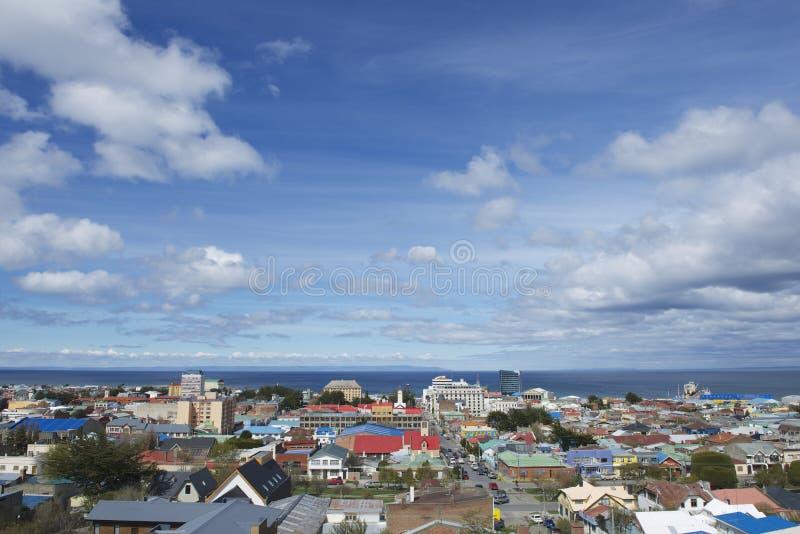 Vista scenica dello stretto di Magellan e di Punta Arenas a Punta Arenas, Cile fotografie stock libere da diritti