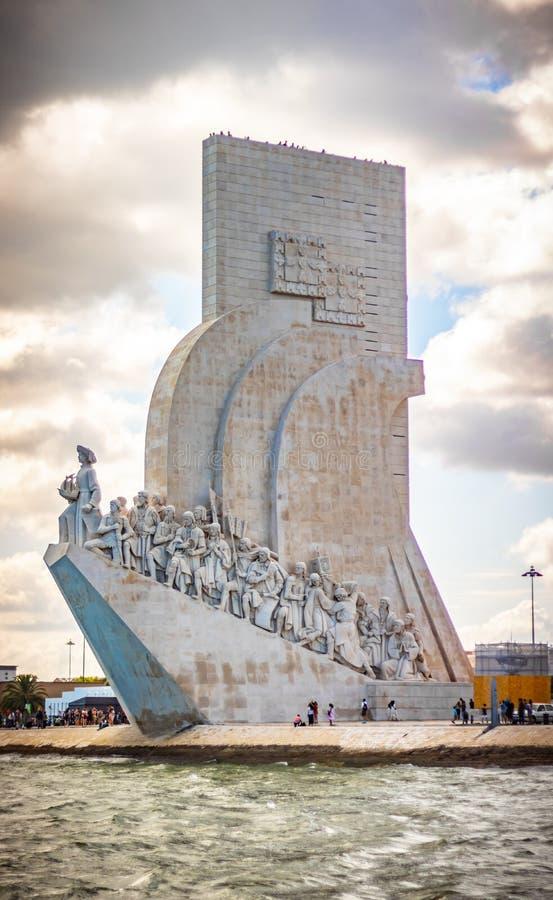 vista scenica di Belem e del fiume di tejo a Lisbona Portogallo l data il 25 giugno 2019 immagine stock libera da diritti