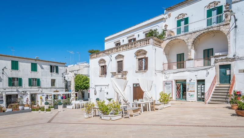 Vista scenica di estate in Ostuni, provincia di Brindisi, Puglia, Italia immagine stock