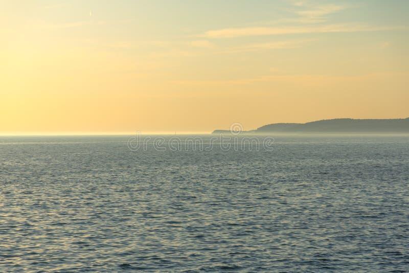 Download Vista Scenica Di Piccola Isola Fotografia Stock - Immagine di colore, riflessione: 55351276